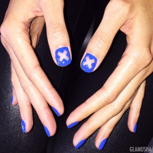 негативное пространство на ногтях