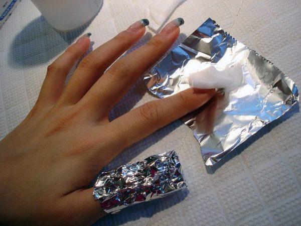 Снять нарощенные  ногти