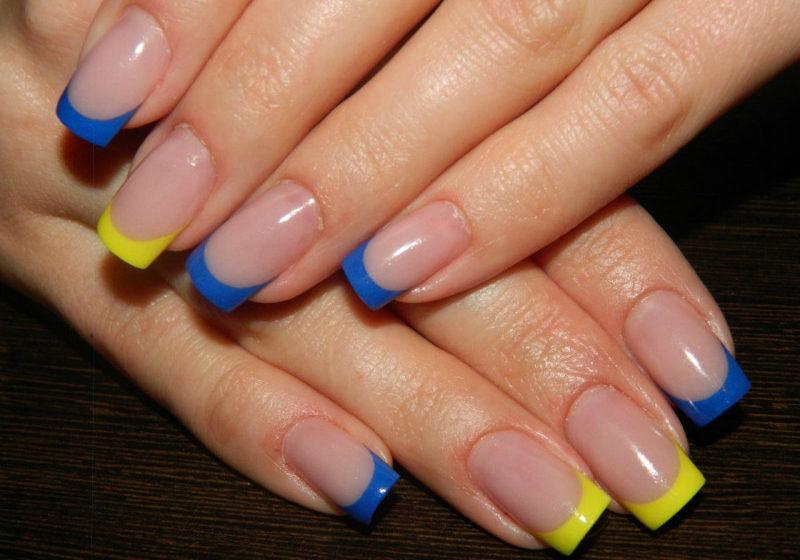 маникюр синий и желтый цвет