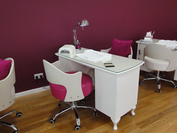 Маникюрный стол (1)