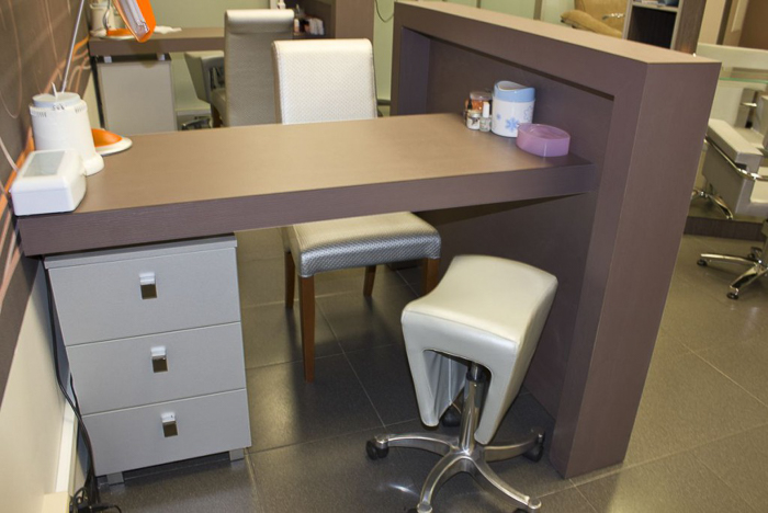 Маникюрный стол (5)