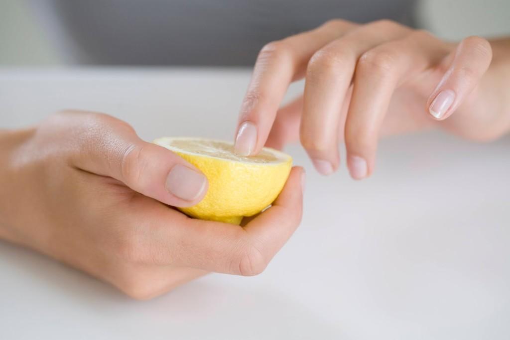 желтые пятна на ногтях рук (3)